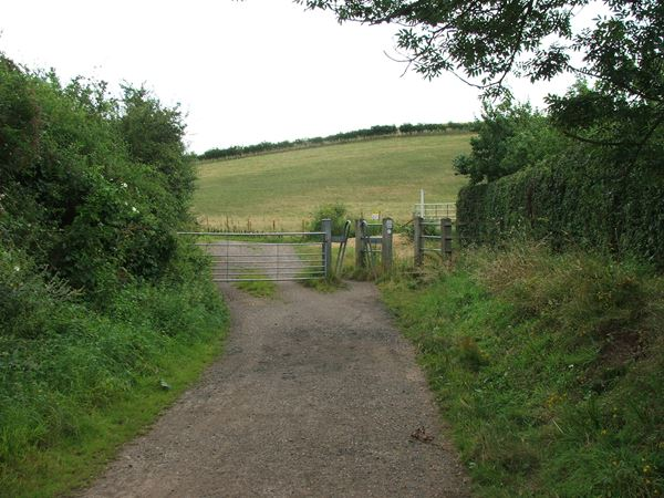 Image, UK, England, Derbyshire, public foot path between Frithwood Farm and Creswell Crags
