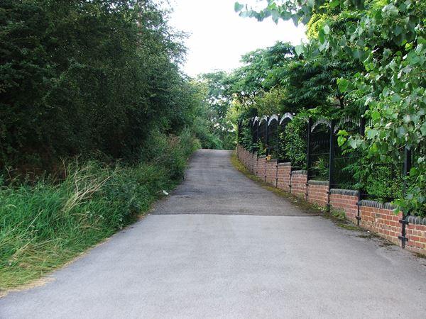 Image, UK, England, Notts, public foot path between Market Warsop and Warsop Vale