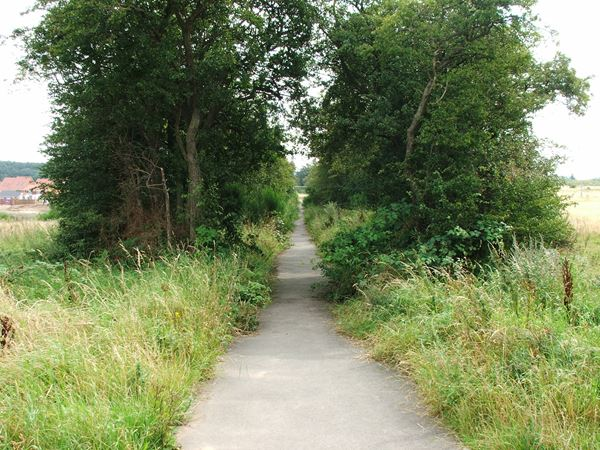 Image, UK, England, Notts, public foot path on Clipstone Drive to Cavendish Lodge